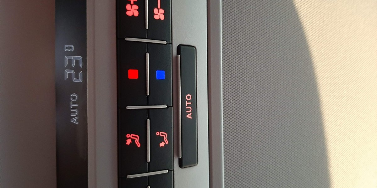Volkswagen Caravelle  - аренда Комфорт авто